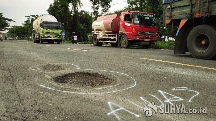 Pengendara Keluhkan Rusaknya Jalan Pantura Tuban, Netizen Curhat di Media Sosial
