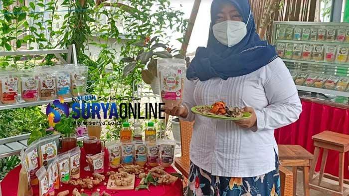 Ibu Asal Ngadiluwih Kediri Tetap 'Cuan' dengan Jual Minuman Jamu Tradisional Instan di Masa Pandemi