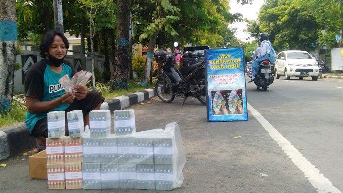 Bank Kalah Cepat, Pedagang Uang Jalanan di Lamongan Sudah Siap Pecahan Rp 75.000 sejak Awal Ramadhan