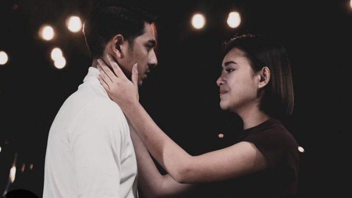 Adegan Arya Saloka dan Amanda Manopo di Sinetron Ikatan Cinta
