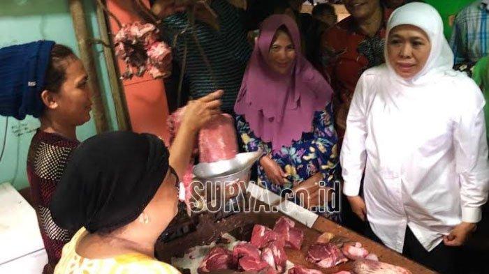 Jelang Ramadan, Khofifah Pantau Harga Bahan Pokok di Pasar Wadung Asri Sidoarjo