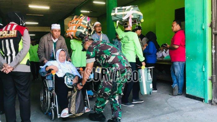 Jemaah Haji Asal Kepanjeng Malang Meninggal di Pesawat saat Perjalanan Menuju Tanah Air