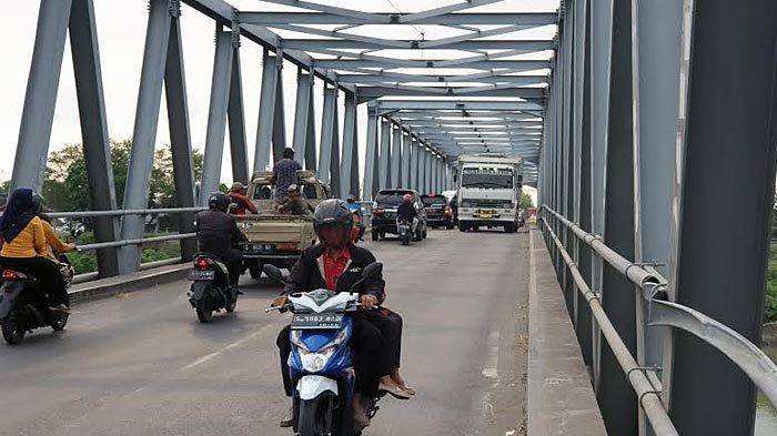 Sejak Kemarin Kendaraan Berat Kelas I dan II Dilarang Melintas di Jembatan Ploso Jombang
