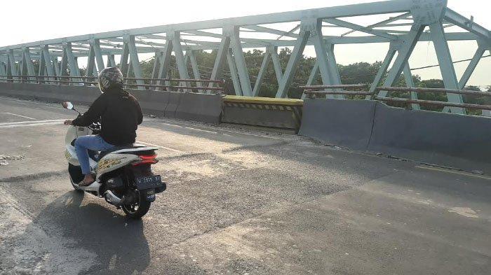 Jembatan Sembayat Gresik yang Ambles masih Masa Pemeliharaan Kontraktor