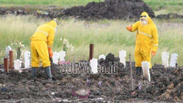 Tolak Pemulasaran Rumah Sakit, Jenazah Covid-19 di Ponorogo Dimakamkan Keluarga Sendiri