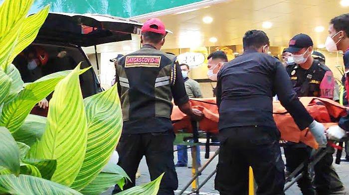 Keterangan Saksi Soal Pria yang Terjatuh dari Lantai II Tunjungan Plaza Surabaya: Kayaknya Melompat