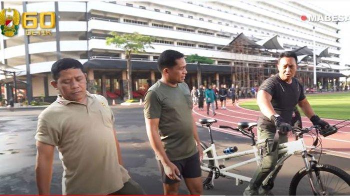 Jenderal Andika Perkasa Beri Harapan ke Perwira TNI AD yang Sulit Berjalan dan Hampir Menyerah