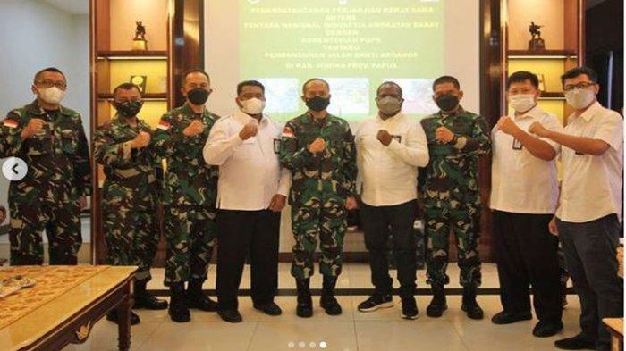 Jenderal Andika Perkasa Utus Mayjen Ignatius Yogo Amankan Pembangunan Jalan dari Gangguan KKB Papua
