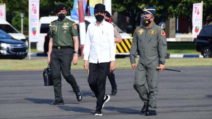 Jokowi Apresiasi Atraksi Penerbang & Crew Garuda Flight - Nusantara Flight di Upacara HUT Ke-76 RI