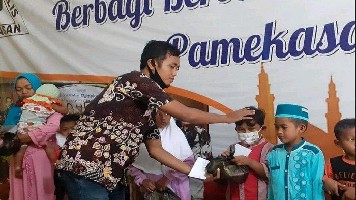 Ipin Pimpin Jurnalis Pamekasan Santuni 200 Anak Yatim, Beri Apresiasi untuk Bang Haji