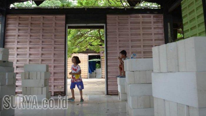 Warga Kampung Ilmu Rindu Bimbel, Aktivitas Terhenti Imbas Gedung Rusak