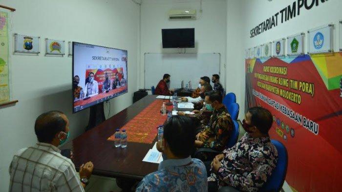 Kantor Imigrasi Surabaya Lakukan Rapat Tim Pengawasan Orang Asing (Tim Pora)