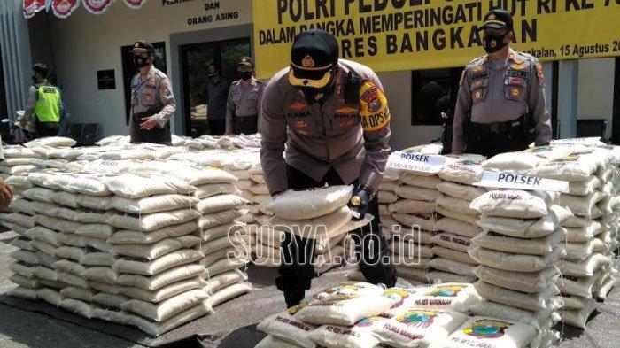 Polres Bangkalan Salurkan 10 Ton Beras untuk Warga Terdampak Pandemi Covid-19