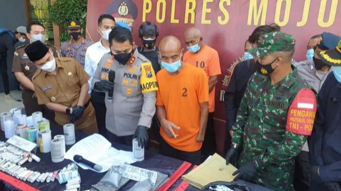 3 Rumah Pembuat Ribuan Petasan di Mojokerto Digerebek Polisi, 4 Orang dan Bahan Petasan Diamankan