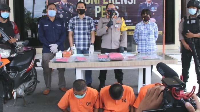 Siswi SMK di Nganjuk Dicekoki Miras sebelum Diajak Berhubungan Badan 6 Orang, 1 Pelaku Pacar Korban