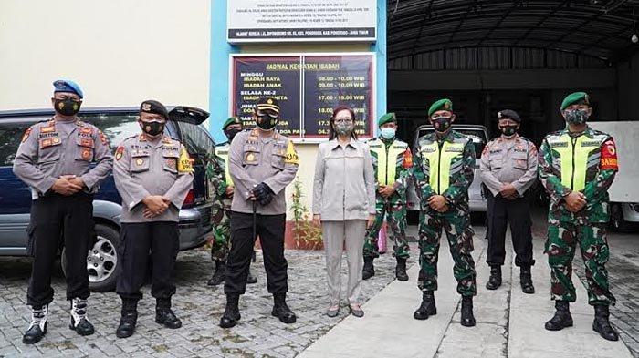 Berikan Kenyamanan Ibadah Paskah, Kapolres Ponorogo Pimpin Patroli Pengamanan Gereja