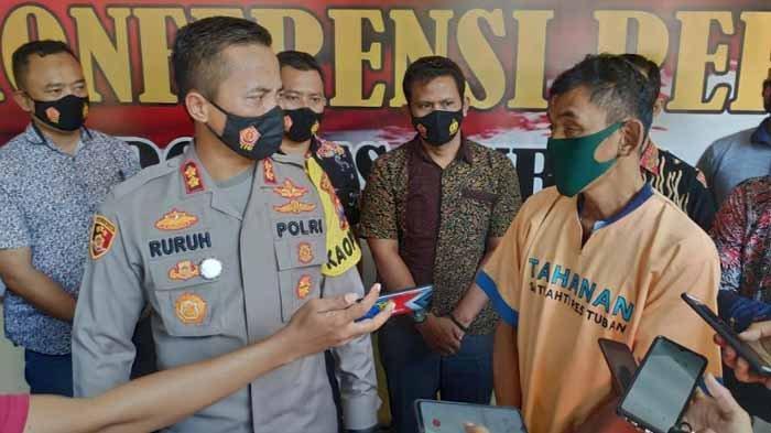 Kapolres Tuban, AKBP Ruruh Wicaksono saat ungkap kasus persetubuhan bapak terhadap anak, Jumat (30/10/2020)