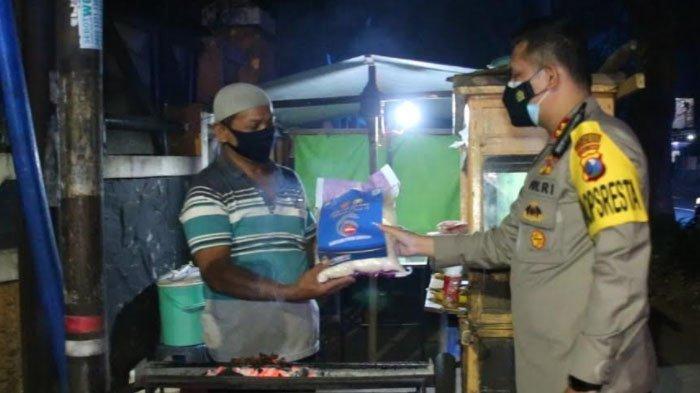 Bantuan Sembako dan Uang Tunai untuk PKL Kota Malang yang Terdampak PPKM Darurat