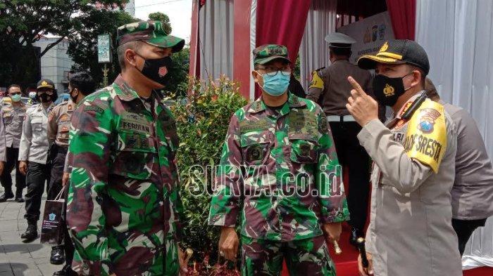 Jelang Akhir Tahun, TNI-Polri Cek Pos Pengamanan di Sejumlah Lokasi Kota Malang