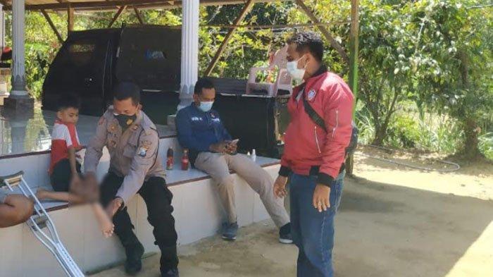 Dua Bocah di Palengaan Kabupaten Pamekasan Digigit Monyet Liar Hingga Terluka