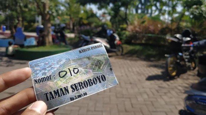 Parkir Sepeda Motor di Taman Suroboyo Ditarik Rp 3 Ribu. Bagaimana Seharusnya?