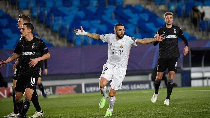 Karim Benzema berhasil tampil sebagai pahlawan dan mencetak dua gol ke gawang Borussia Monchengladbach pada laga pekan keenam Liga Champions, Kamis (10/12/2020) dua gol Benzema cukup untuk memastikan Madrid lolos ke 16 besar Liga Champions
