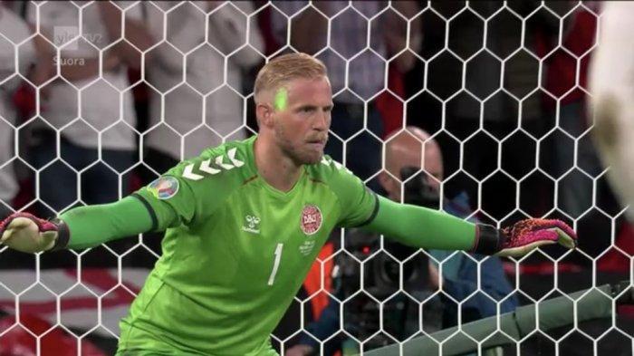 EURO 2020, Ramai Penalti Harry Kane, Terungkap Mata Schmeichel Ditembak Laser saat Akan Halau Bola