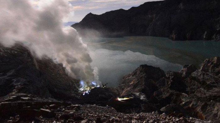 Dua Wisatawan Tersesat di Gunung Ijen Banyuwangi, Begini Kondisinya saat Ditemukan