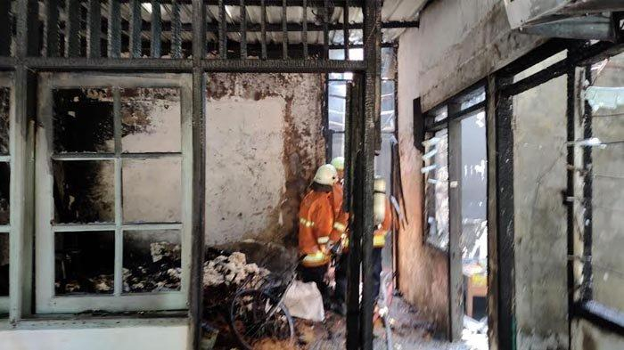 Rumah di Perum ITS Terbakar Habis Dilalap Api, Seorang Anak Jadi Korban
