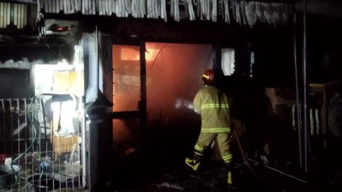 Rumah Warga di Ngantru Kabupaten Trenggalek Terbakar, Diduga Akibat Korsleting Listrik