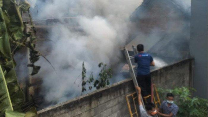 Gara-Gara Ketela, Bangunan Dapur di Tulungagung Terbakar, 25 Ayam Ikut Hangus