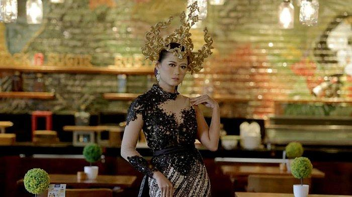 Kisah Puteri Mojopahit dalam Evening Gown Bergaya Kebaya 'Sekar Kedhaton' Rancangan Dessy Dhalia