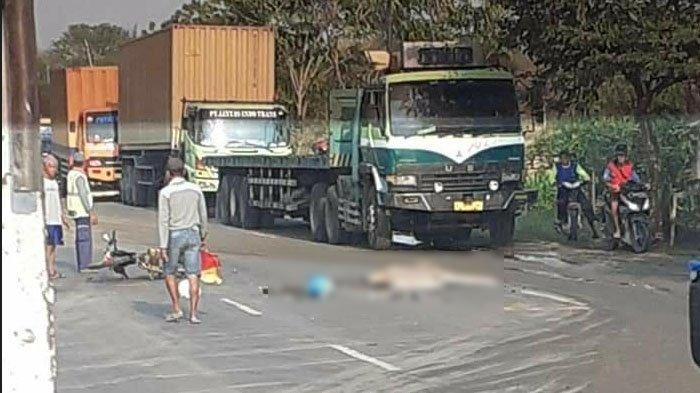 Tragis, Pengendara Motor Asal Tuban Hantam Belakang Truk Lalu Terpental dan Terlindas Truk Lain