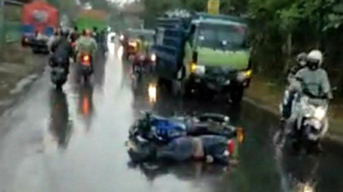 Tergelincir di Jalan Licin, Pemotor Jadi Korban Kecelakaan Tunggal di Jalur Ngoro Mojokerto
