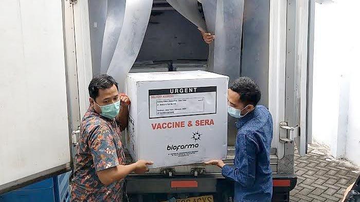 Trenggalek Dapat Kiriman 12.000 Dosis Vaksin Covid-19 Malam Ini, Vaksinasi Tahap Dua Dimulai Besok