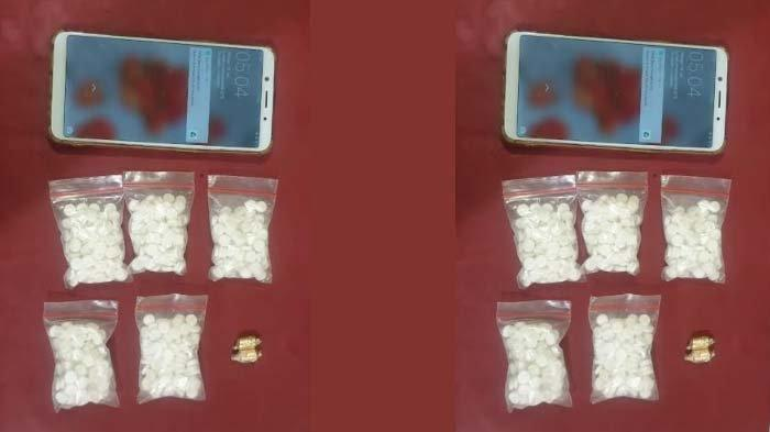 Pelajar SMA dan Pekerja Serabutan di Kota Kediri Ditangkap Polisi terkait Narkoba Jenis Pil Dobel L