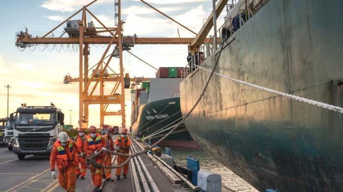 Pelabuhan Dibawah Kelola Pelindo III Tetap Beroperasi selama Libur Idul Fitri 2021