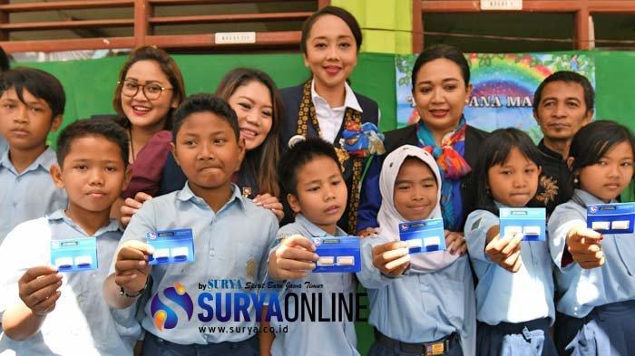 Galeri Foto Kegiatan Sosial Rotary Surabaya Kaliasin di SD Ana Maritim dalam Rangka HUT RI ke-74