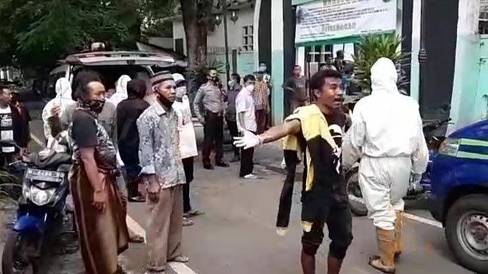 VIRAL Jenazah Covid-19 yang Tertukar di Kota Malang, Keluarga Mengamuk Hajar Petugas Hingga Pingsan