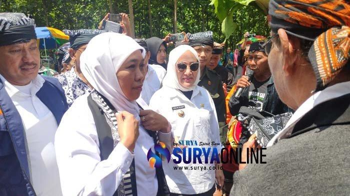 Bupati Bojonegoro Sampaikan 2 Pesan Penting Sesepuh Samin ke Gubernur Khofifah, Ini Isinya
