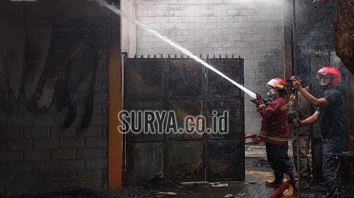 Gudang dan Tempat Produksi Kerajinan Bathok di Kota Blitar Terbakar, Kerugian Ditaksir Rp 200 Juta