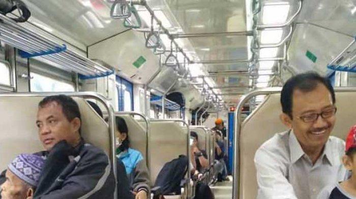 Ada Pesan Mendalam dari Pemandangan di Gerbong Kereta Ini, Baca Captionnya Bikin Netes Air Mata