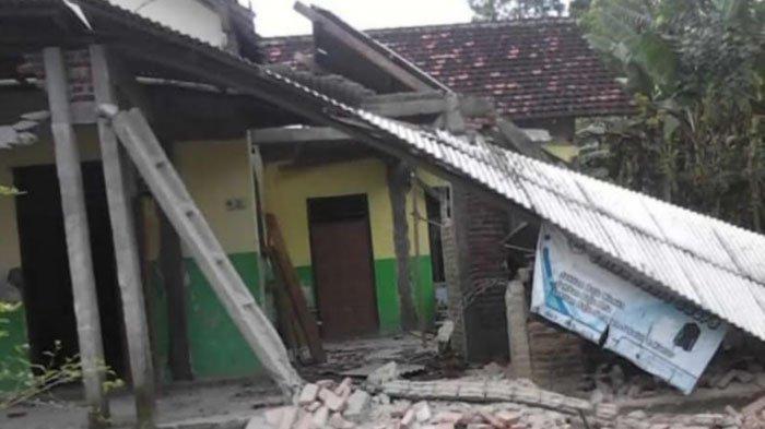 Rumah warga di Kabupaten Tulungagung rusak karena gempa bumi, Sabtu (10/4/2021) siang.