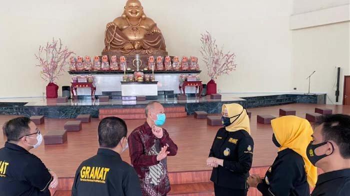Momentum Imlek, Granat Jatim Sosialisasi Penyalahgunaan Narkoba di  Dua Vihara di Surabaya