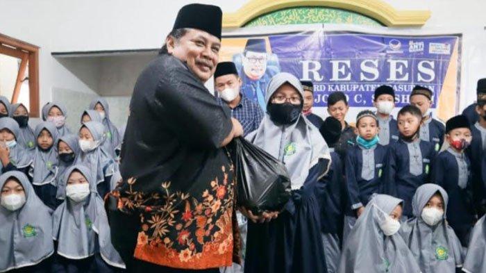 DPD NasDem Kabupaten Pasuruan Bagikan Bingkisan Sembako di Yayasan Abu Bakar As Sidiq