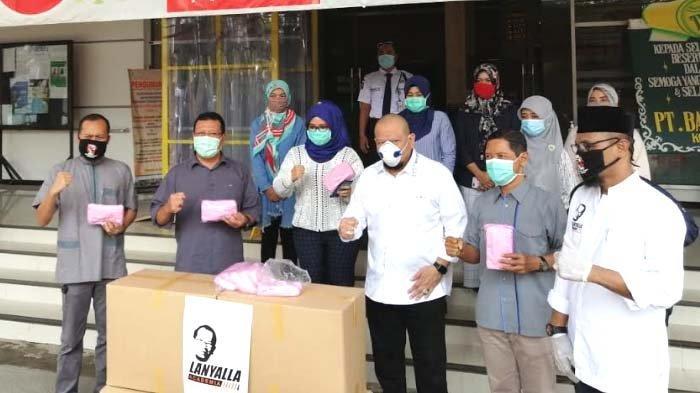 Pesan Ketua DPD RI saat Salurkan Bantuan APD-Sembako di Rumah Sakit, Masjid, dan Ponpes di Lamongan