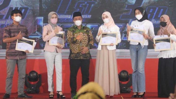 Puncak HPN Gresik 2021, Sejumlah Tokoh Terima Penghargaan Giri Pancasuar Awards