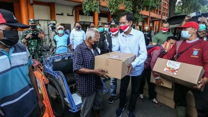 Warga Perkuat Gotong Royong di Masa Pandemi, Ketua DPRD: Holopis Kuntul Baris Hadapi Kesulitan