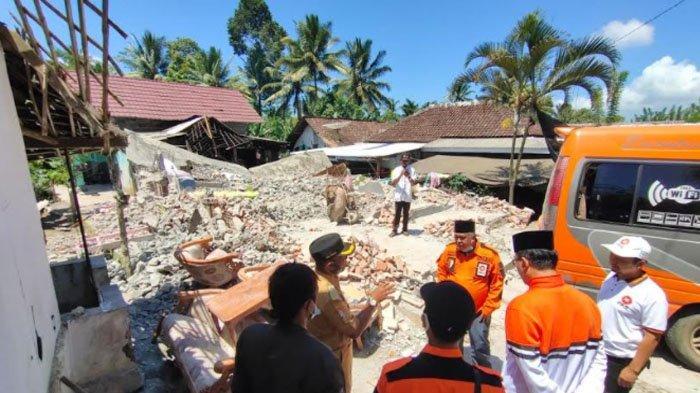 PKS Jatim Datangi Kawasan Terdampak Gempa Bumi di Kabupaten Malang