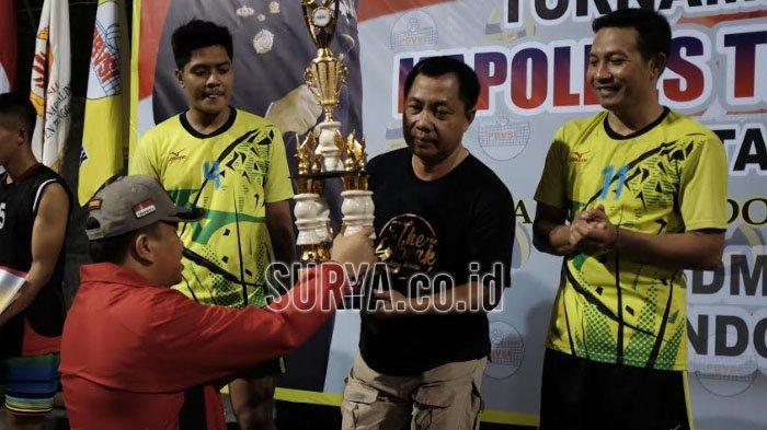 Pemain Nasional Ikut Ramaikan Final Turnamen Voli Kapolres Cup II Trenggalek